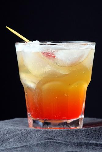 Рецепт коктейля Amaretto Sour (Амаретто cayep)