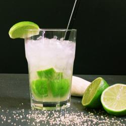 коктейль кайпиринья